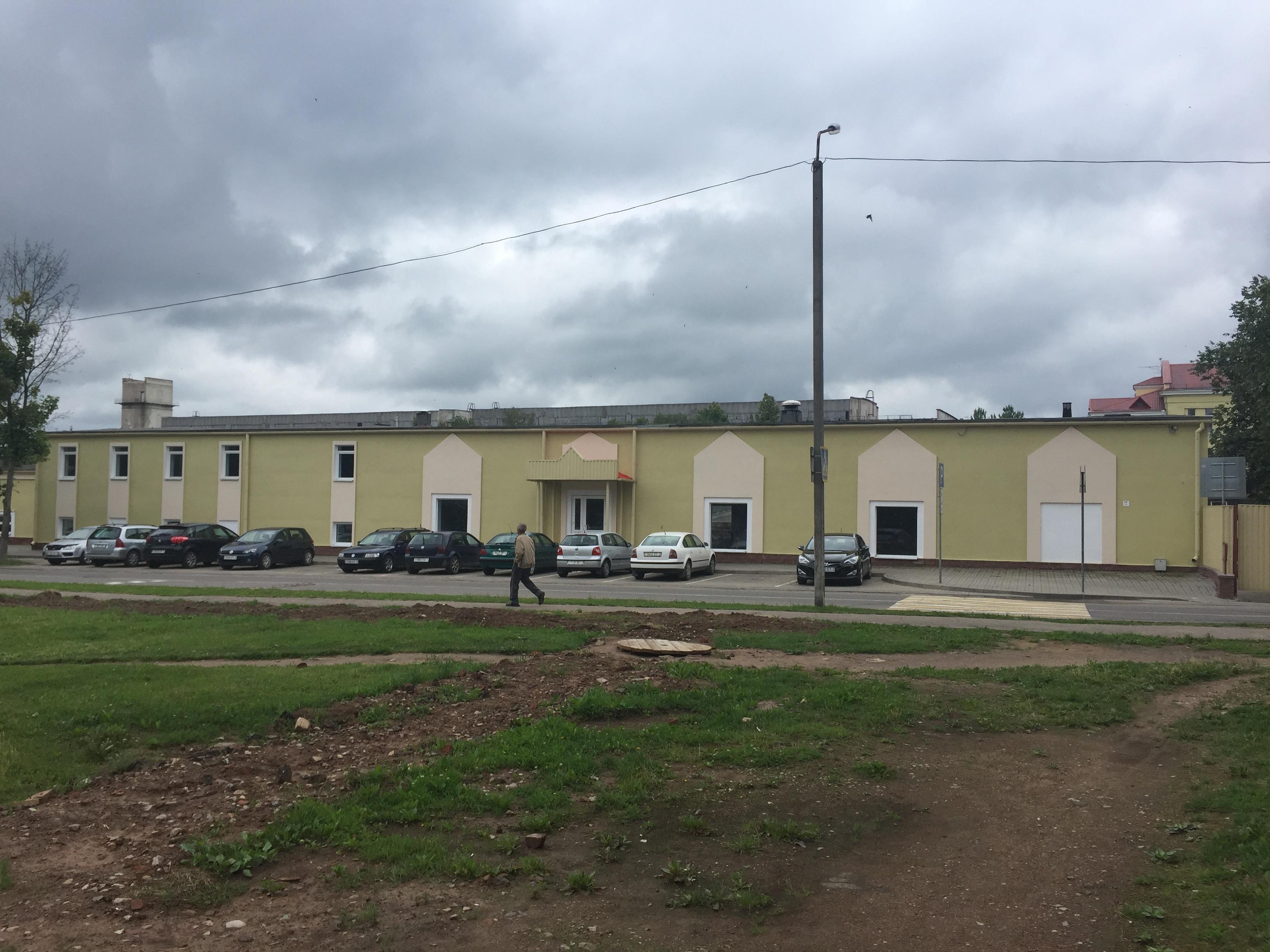 Полоцк.. ул. гагарина дом 6а. комплекс торгово-административных зданий